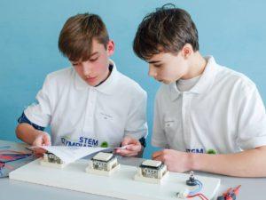 Ferre, leerling 2 Cognosco, finalist Vlaamse STEM Olympiade