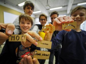Van tekenen tot uitsnijden met de lasercutter tijdens STEM