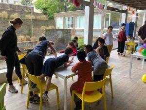 Leerlingen Sociale en technische wetenschappen en Verzorging openen pop-up buurthuis!